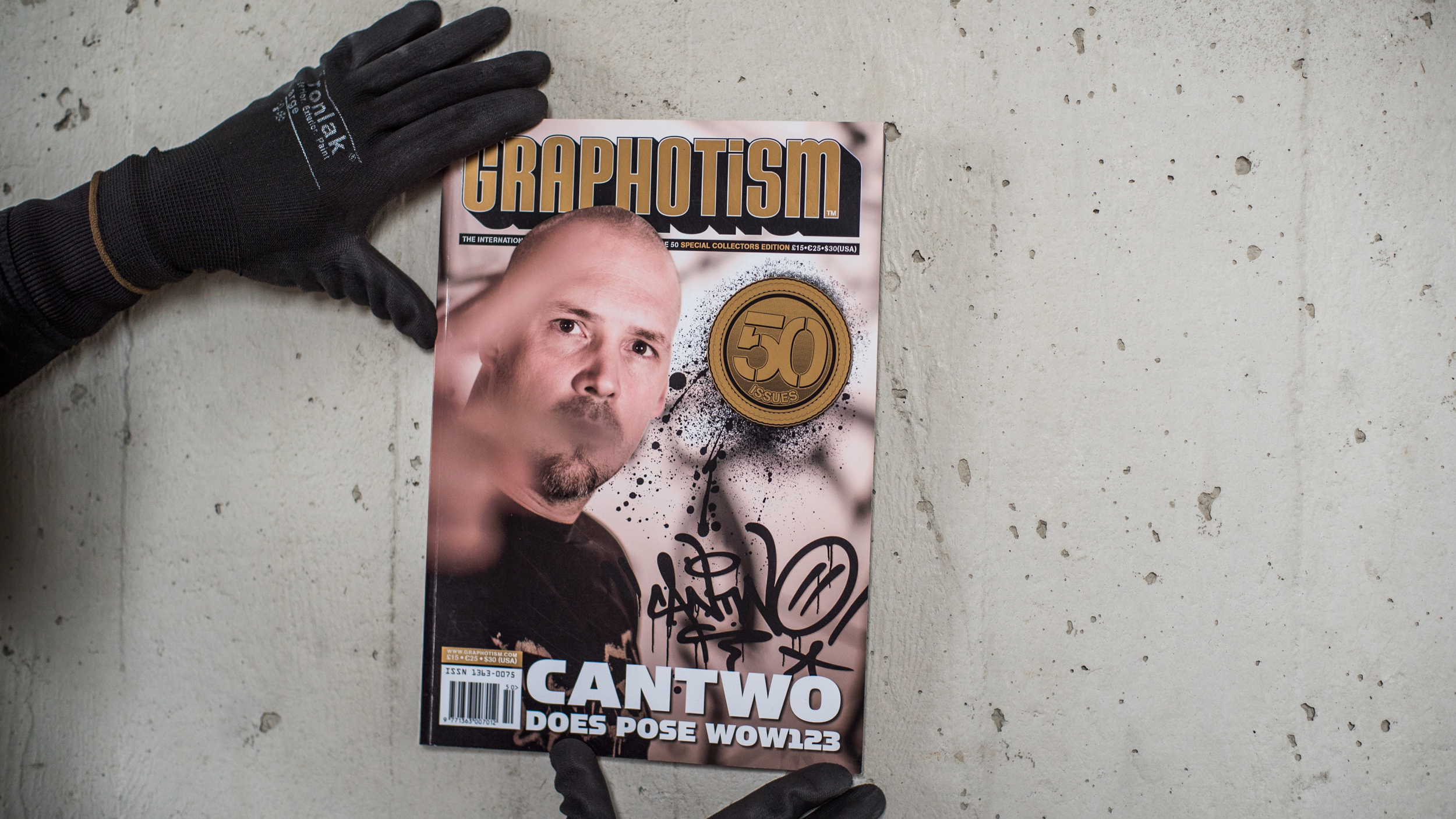 A work by Does - Book magazine graphotism 50 cover