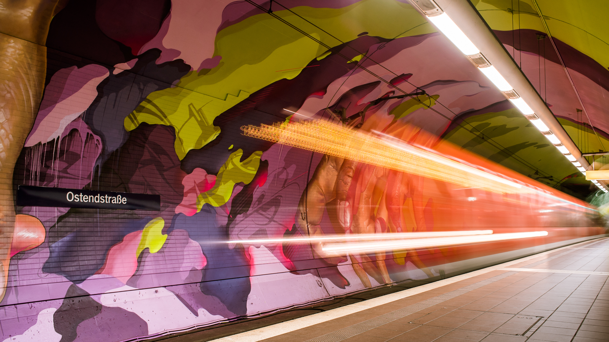 A work by Does - Ostendstrasse frankfurt germany tunnel 33